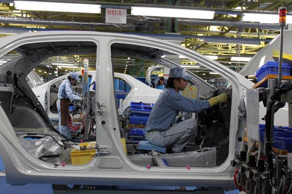 Toyota interrumpe 27 líneas de producción debido a la escasez de piezas