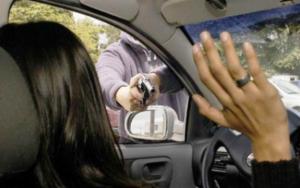 Estos son los 5 errores que cometes y a los ladrones de autos les encanta